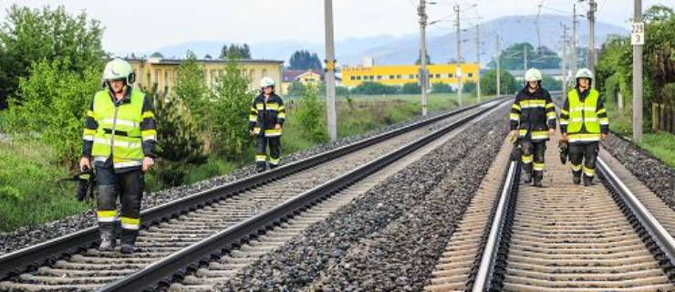 Suchaktion im Gleisbereich